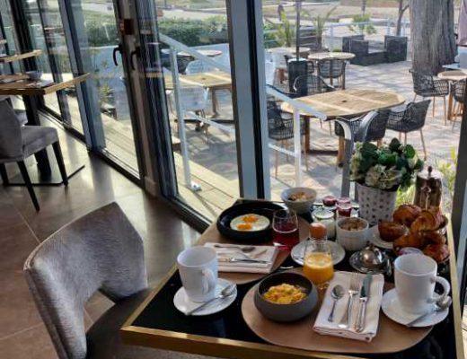 9 Le Diana Hôtel _ Spa NUXE Petit Déjeuner Vue Mer-536x480