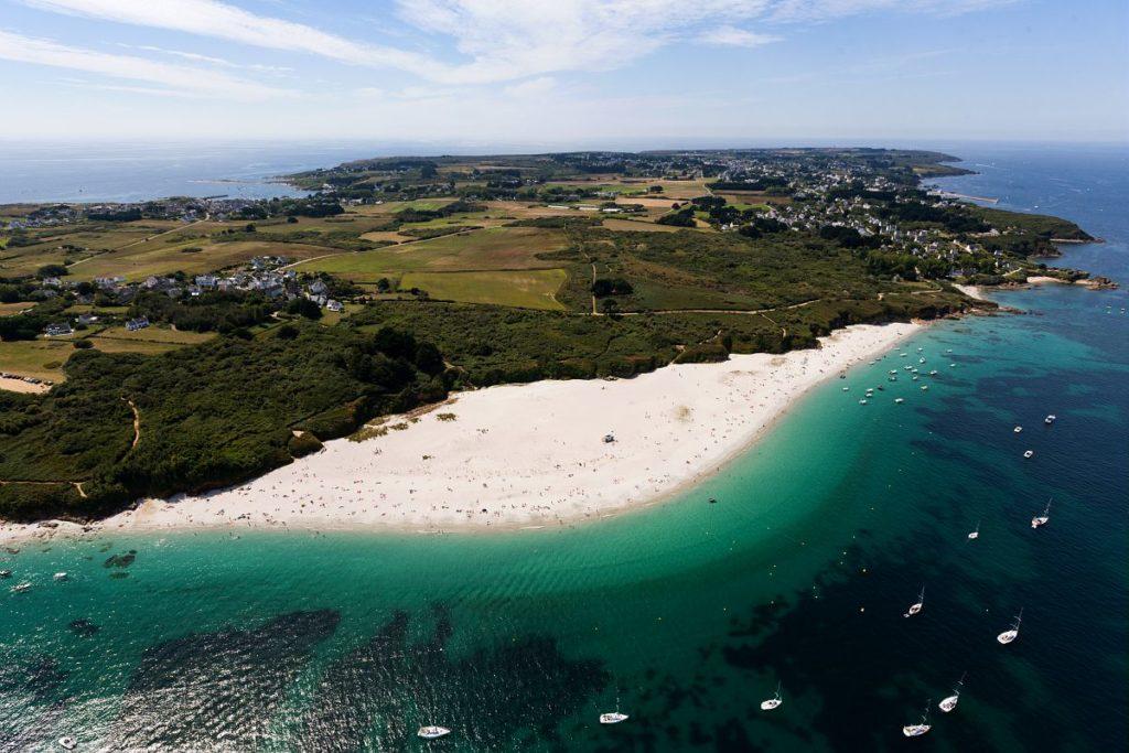 Balade sur la plage des grands sables a Groix © B. Stichelbaut