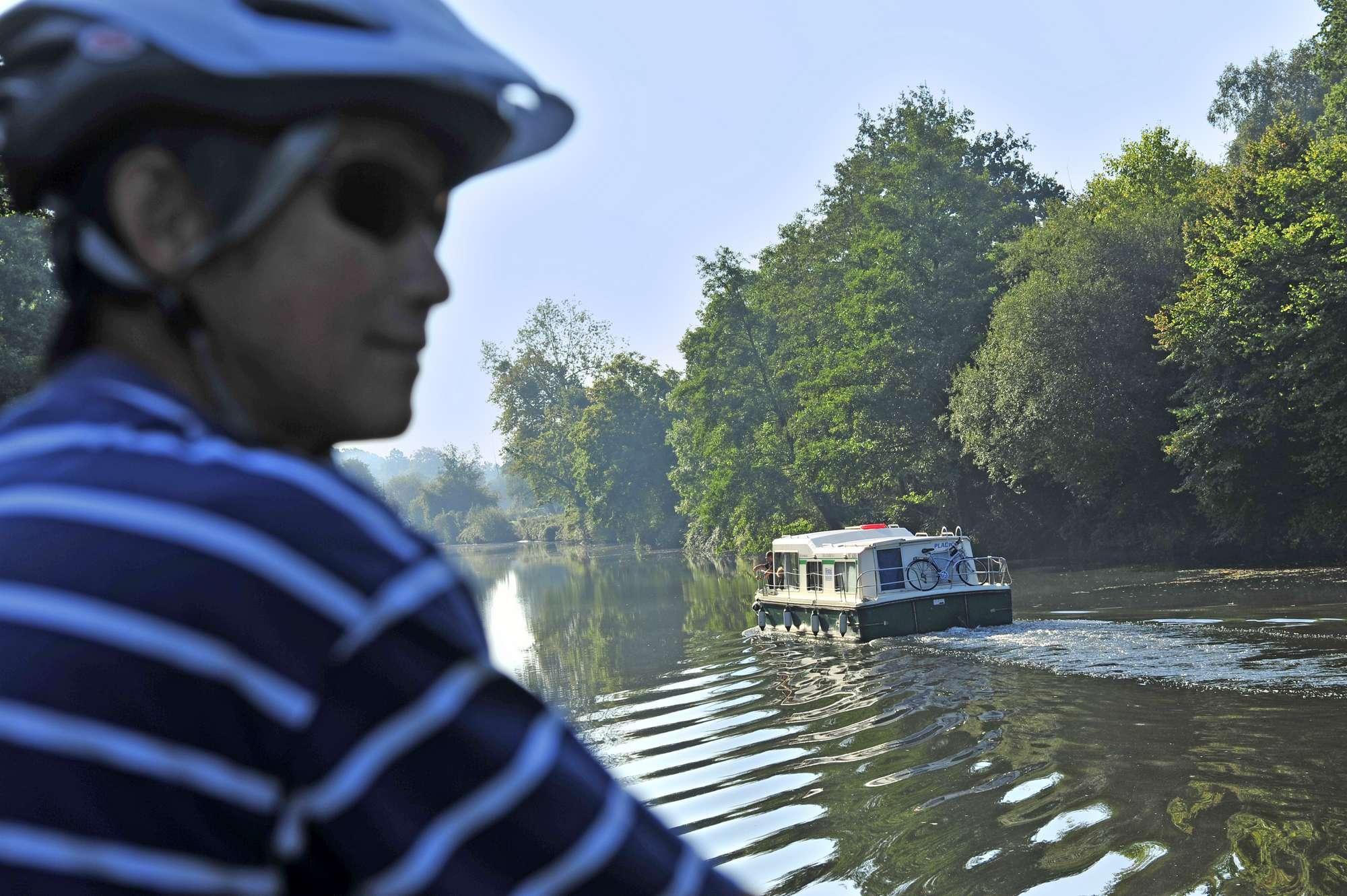 Une balade à vélo sur les rives du Canal de Nantes à Brest