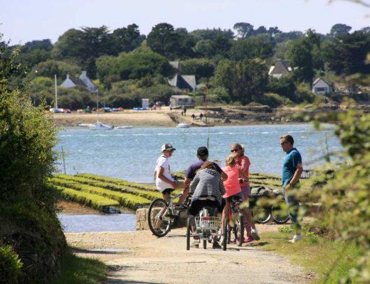 balade à Vélo sur l'Ile d'Arz © L. Kersuzan - Morbihan Tourisme