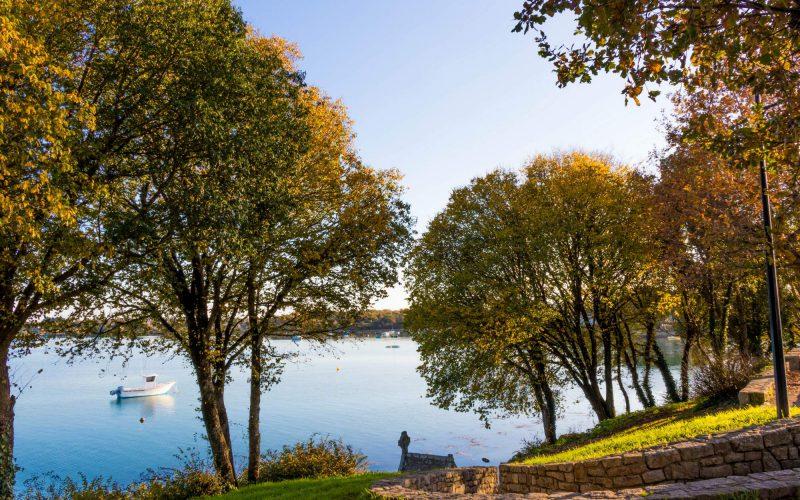 Au bout du chemin, vue sur la ria d'Etel © Loïc KERSUZAN - Morbihan Tourisme