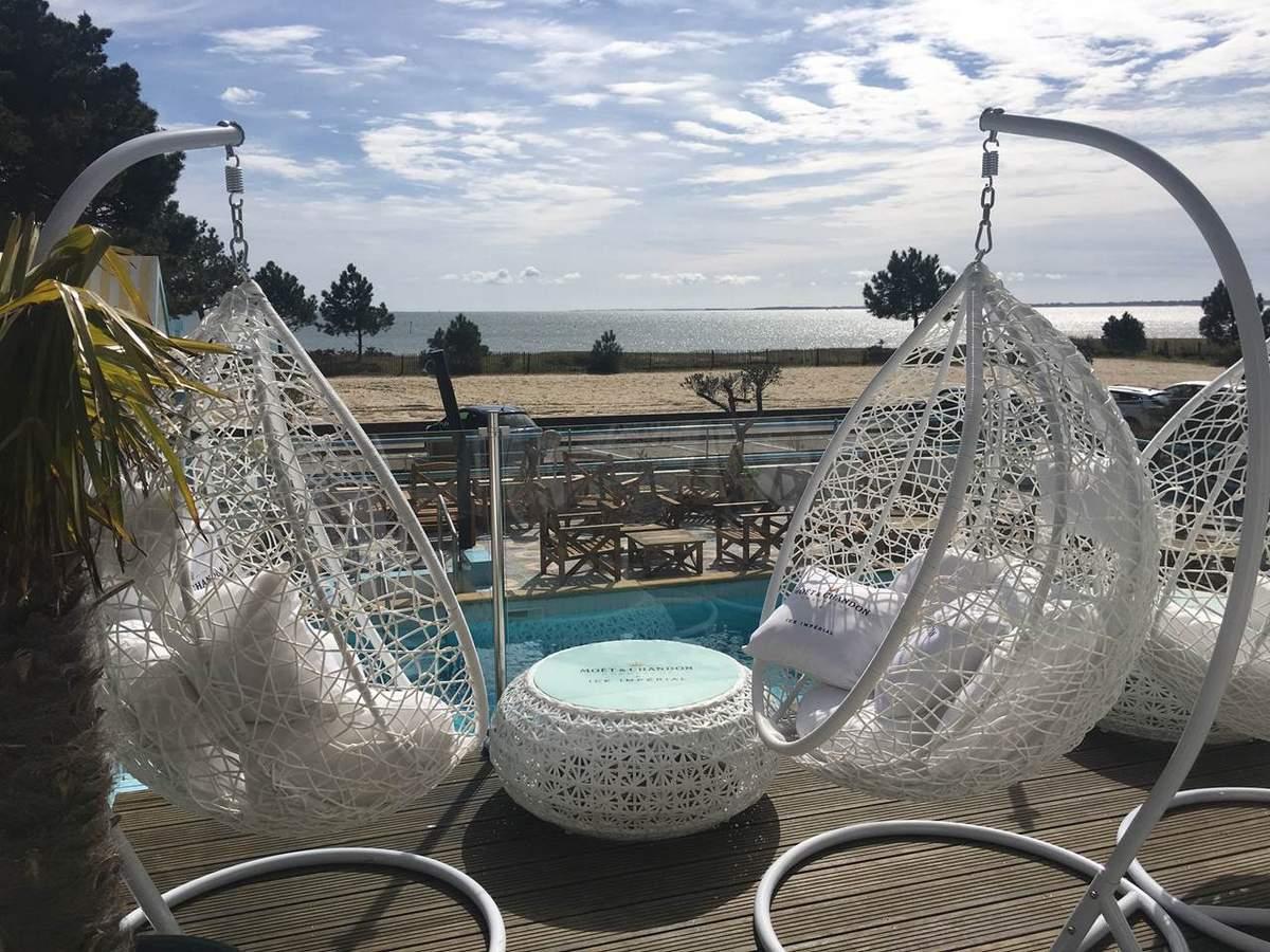 Terrasse vue sur mer à l'Hôtel-restaurant le Diana à Carnac