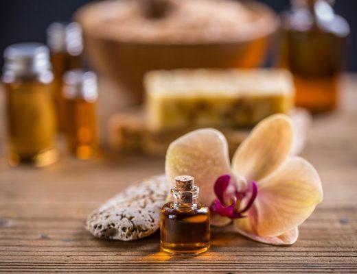 massage-oil-PG9DAQB